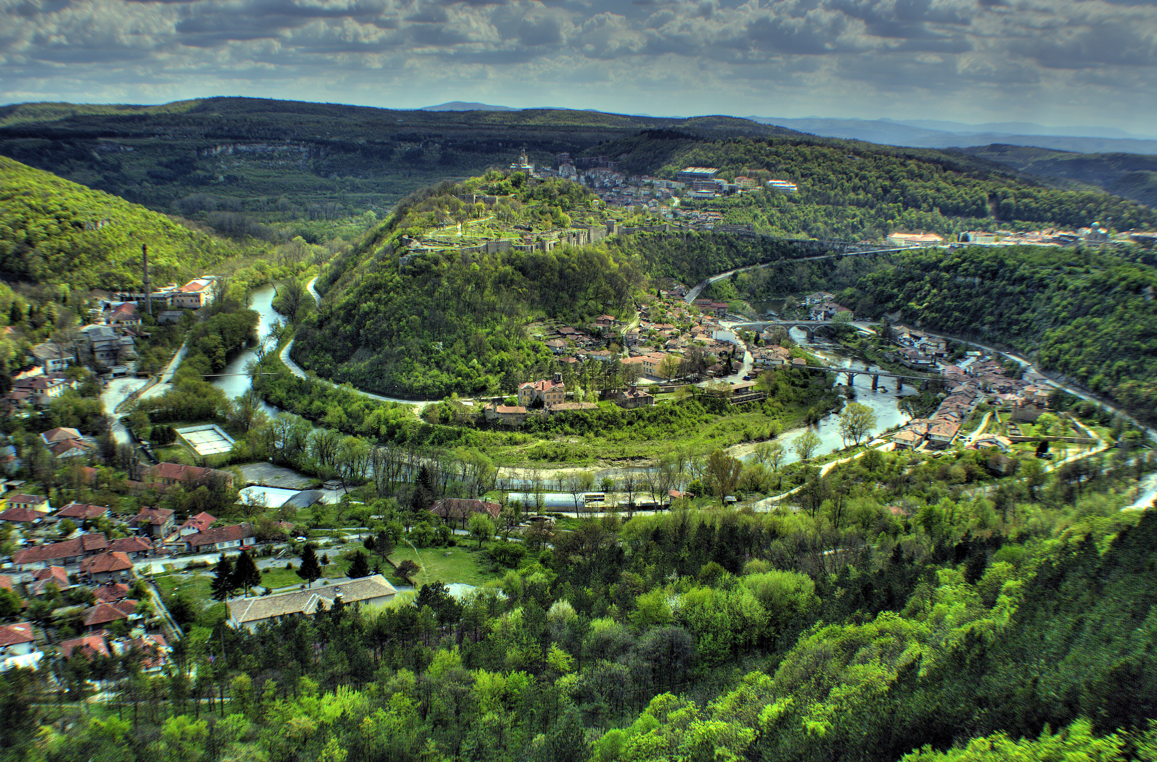 veliko-tarnovo-most-beautiful-town-word-3