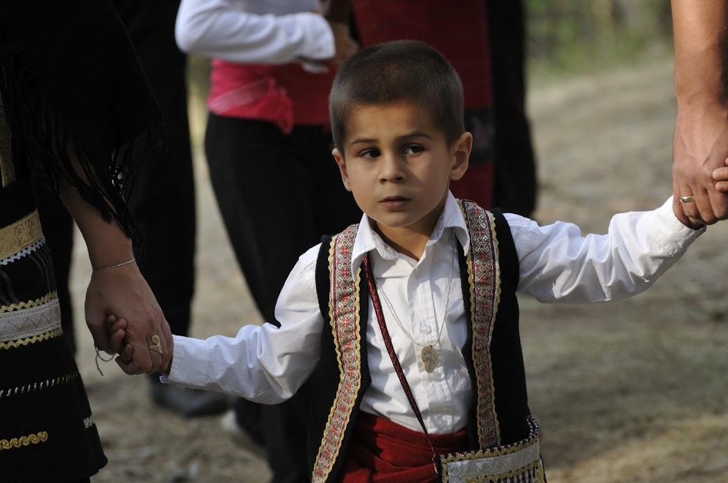 festival-folk-costume-zheravna