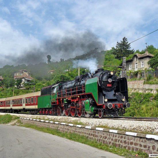 retro train ruse varna